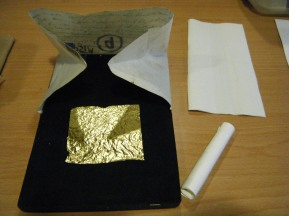 Guilder's cushion and gold leaf